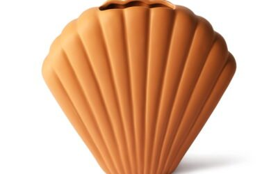 Scallop Shell Vase