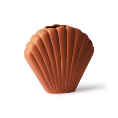 smal, dark terracotta scallop shell vase